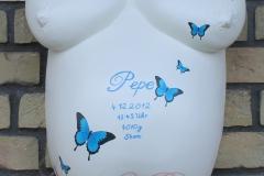 Gipsabdruck-Babybauch-Abformung-und-Gestaltung-Deluxe-blaue-Schmetterlinge-Lilly-ART-Burg-Stargard-Mecklenburg
