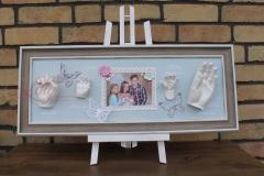 Gipsabdruck-Babyhand-Kinderhand-mit-Schmetterlingen-Geschwister-Familie-Neubrandenburg-Lilly-ART-Burg-Stargard